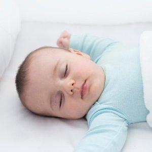 مشکلات خواب نوزادان در 8 تا 10 ماهگی